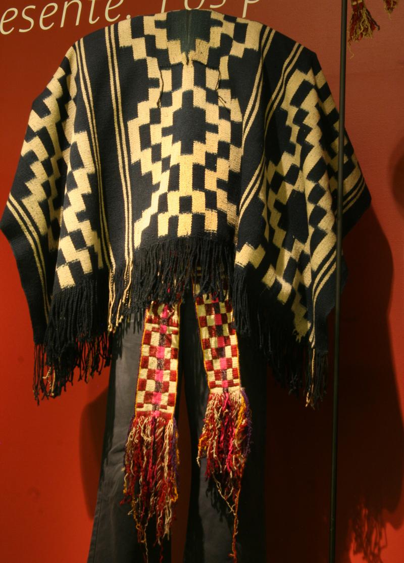 Vestimenta tradicional Mapuche  Chile Precolombino