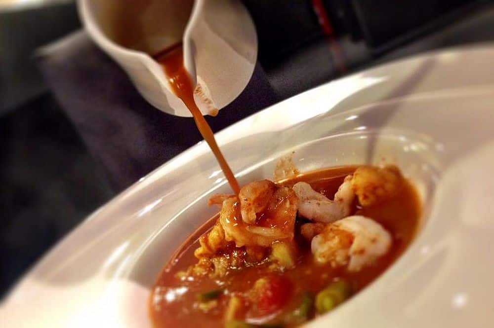 Gaeng Som Phak Ruam Goongsod - Hot and Sour Curry with Prawn