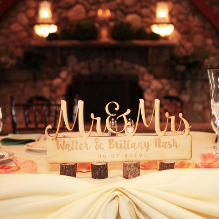 DJ_Chillin_McMillin_Wedding_Sweetheart_Table_Ideas_New_Hampshire_thumbnail