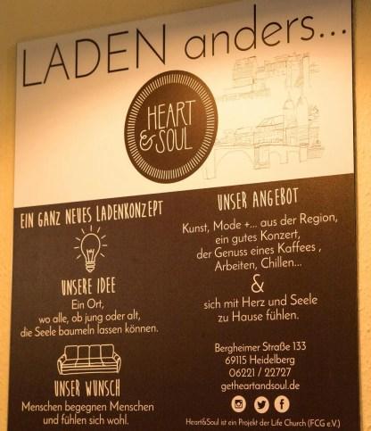 Blick auf das Angebot und die Erklärung zum Café.