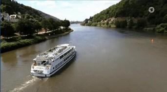 Blick auf das Schiff und das Neckartal.