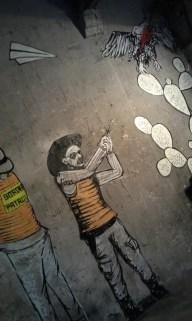 Zeichnungen eines mexikanischen Streetart Künstlers in der Garage