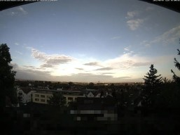 Bild der Webcam heute morgen, fast Wolkenfreier blauer Himmel