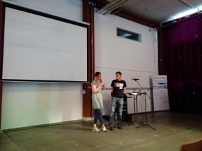 Karin und Dirk auf der Bühne eröffnen das Startcamp
