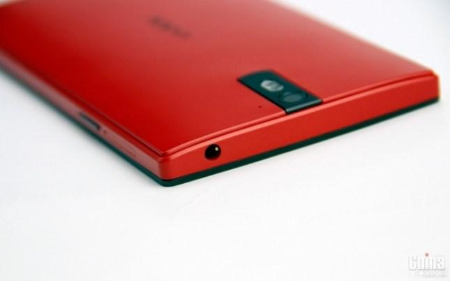 Фотообзор Oppo Find 5 в красном цвете