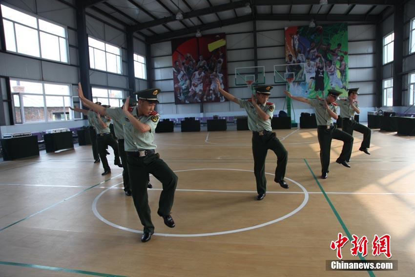 Chinese soldiers dancing