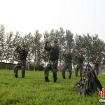 """""""Little Apple"""" wins Chinese police and soldiers"""