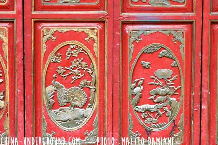 red-chinese-door-decorations