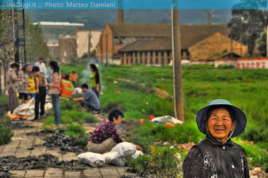 china-suburbia-012-hungry ghost festival