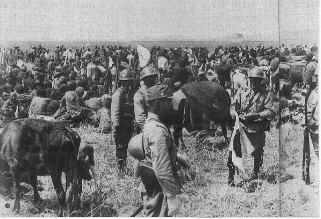 1938_yangtze_refugees