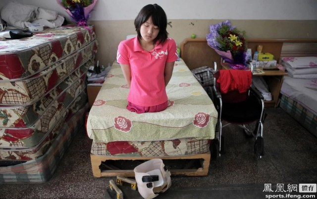 The story of the 'basketball girl', Qian Hongyan, in 20 pictures