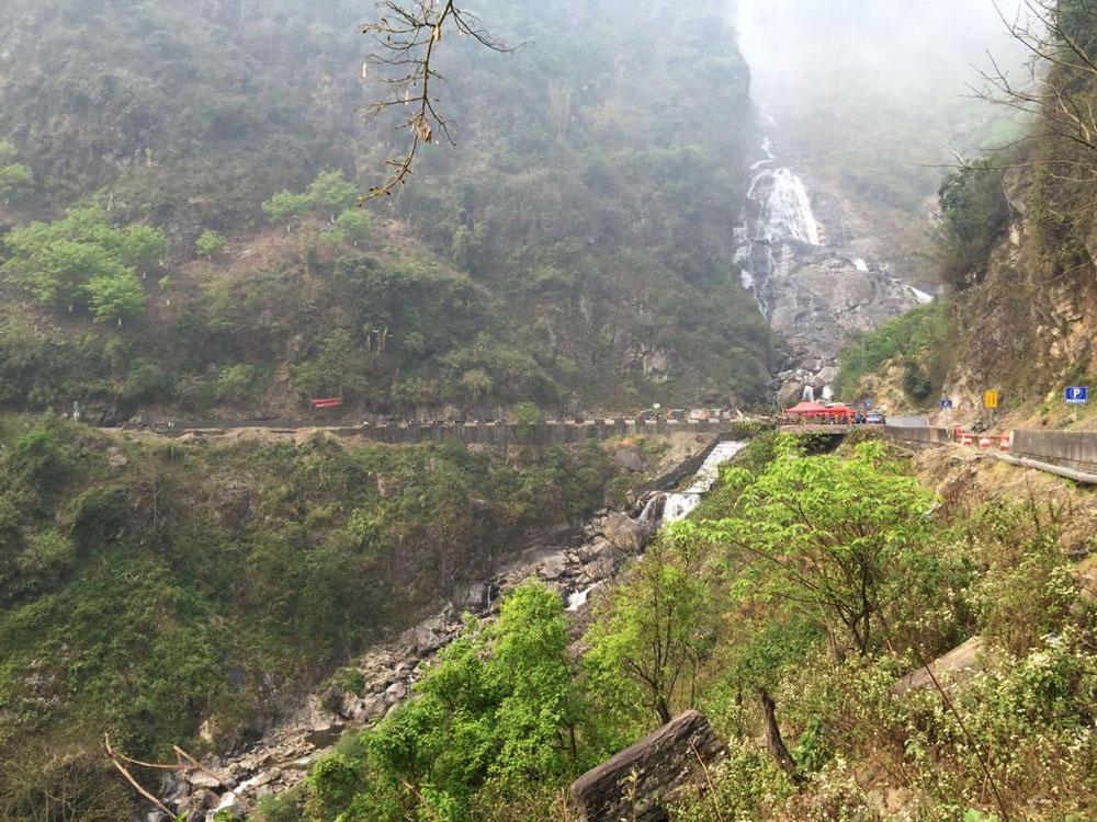 nanen waterfall Yunnan
