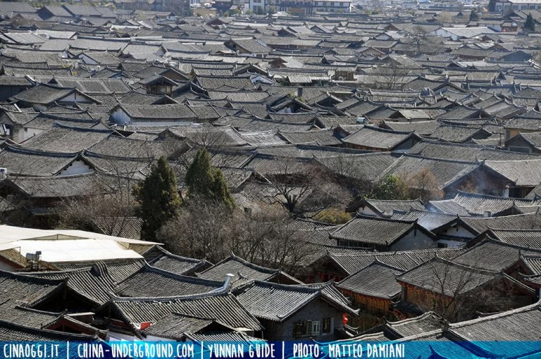 Lijiang roofs - Travel to Lijiang