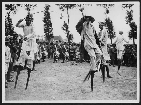 Chinese-celebration-during-World-War-I-in-France-Display on stilts