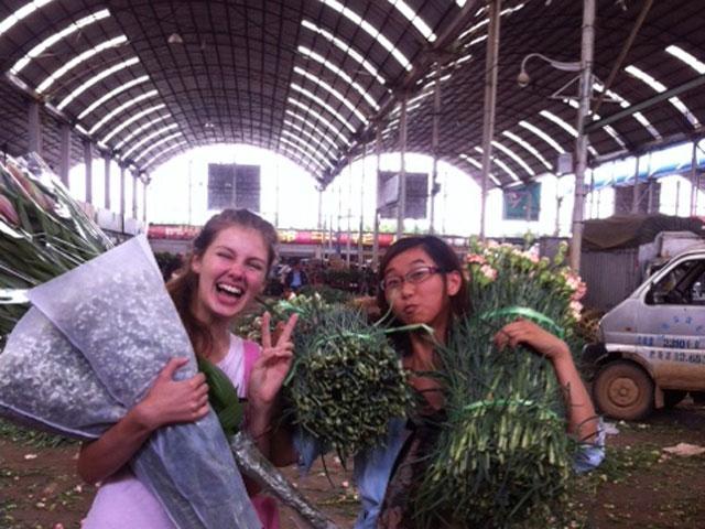 5-Things-To-Do-In-Kunming-dounan-flower-market