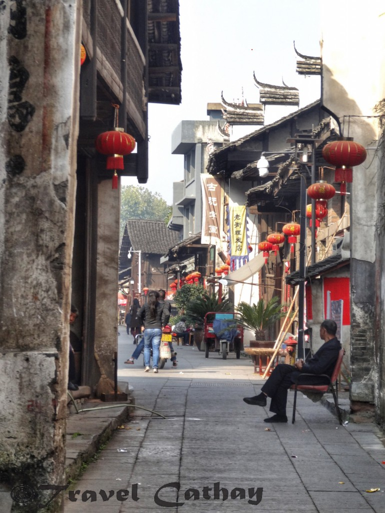 The slow pace of life in the streets of Qianyang