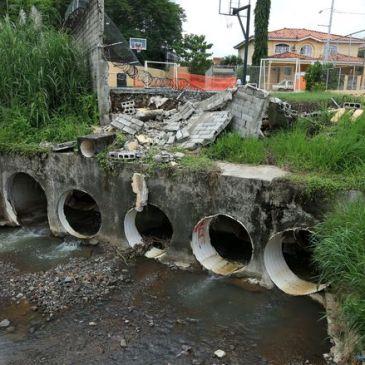 Condado del Rey 排除因下陷造成水淹