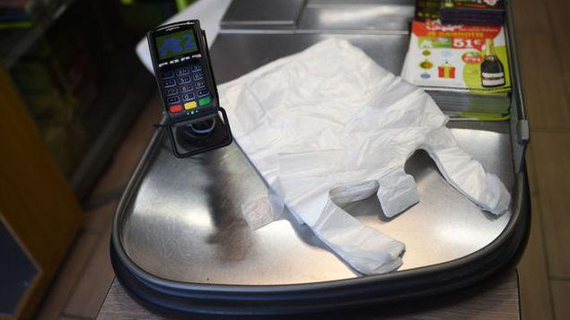 消保局:超市及零售商等还有6个月时间停止使用塑料袋