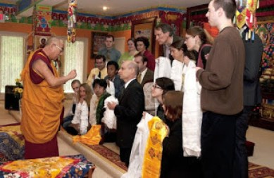Elliot_06_Elliot and students meeting with Dalai Lama