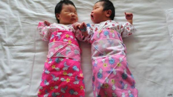 中国严厉的计划生育政策被认为导致人口老化的一个因素