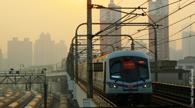 metro smoggy dusk