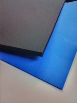 Mittelhartes Zellpolyethylen, getrennte Matten blau & schwarz