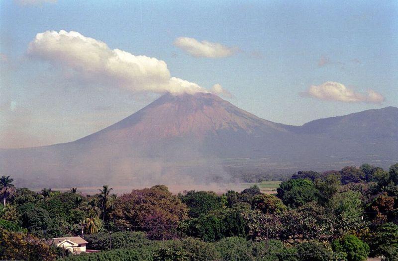 Volcán San Cristóbal - visto desde Chichgalpa