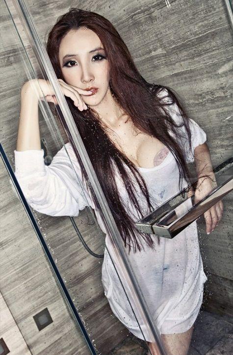 Hou_Qian_Yi_10