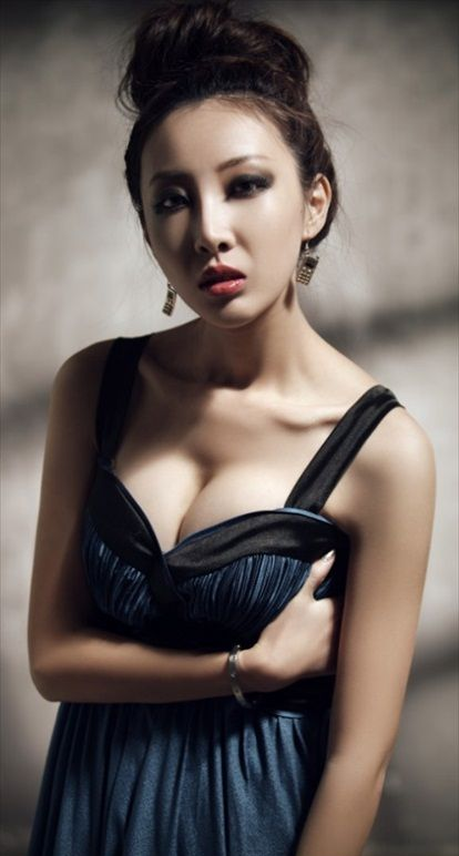 Hou_Qian_Yi_56
