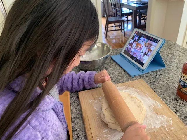 一位波士顿华人妈妈的酸甜苦辣:疫情下的美国中小学生
