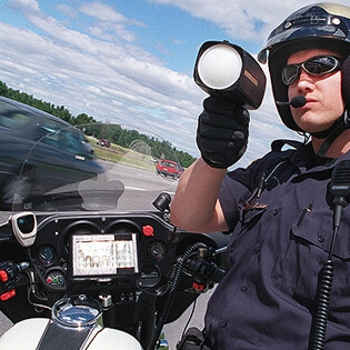 2018032002393717 - 在美国开车如何避免罚单 警车探测器使用指南