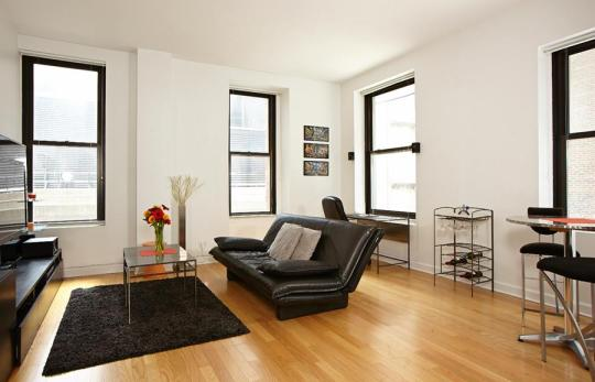 Manhattan NY Chinese Real Estate Agent help Parents Buy Condo for Children is one of specialty, every year, around month of May to September, there are surplus of new college university graduates relocating to Manhattan New York.