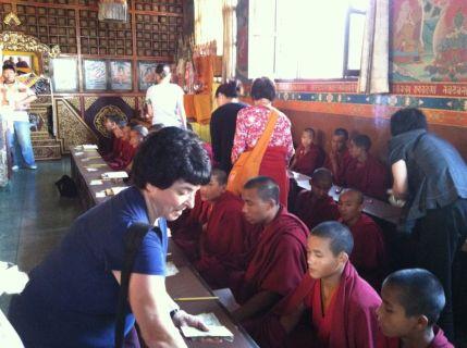 2 Distribuiting Offerings to Lamas