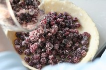 making-blackberry-pie-2