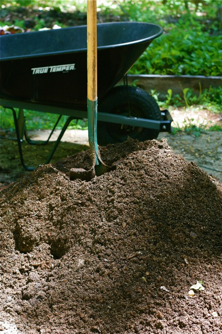 mixing-up-potting-soil