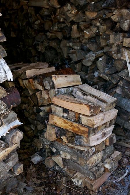 splitting wood 1