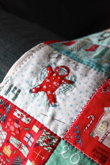 christmas-advent-pillow-1