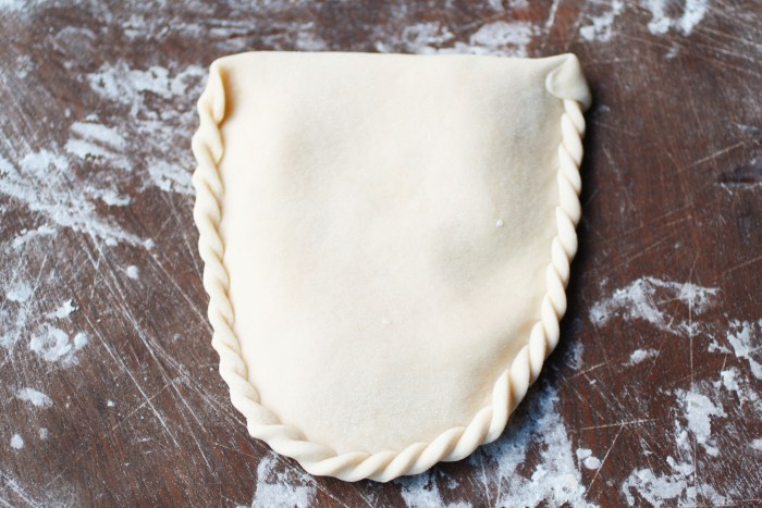 how to seal a Bolivian Cheese Empanadas