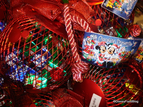 Holiday Treats and Merchandise at Disney World – Disney Food Blog