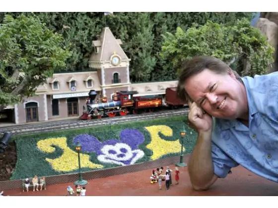 Man creates sprawling Disney railroad in yard