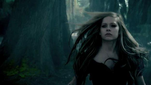 Avril Lavigne – Music Video – Alice (Underground)
