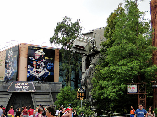 Disneyland & Disneyworld Star Tours set to close early