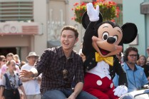 NEW AMERICAN IDOL SCOTTY MCCREERY AT DISNEY WORLD IN FLORIDA