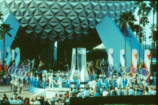 EPCOT-Center-Opening_4