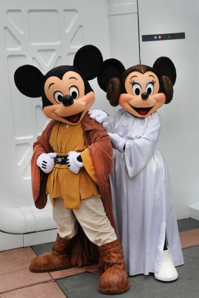 Disney World adds character dining to Star Wars Weekends