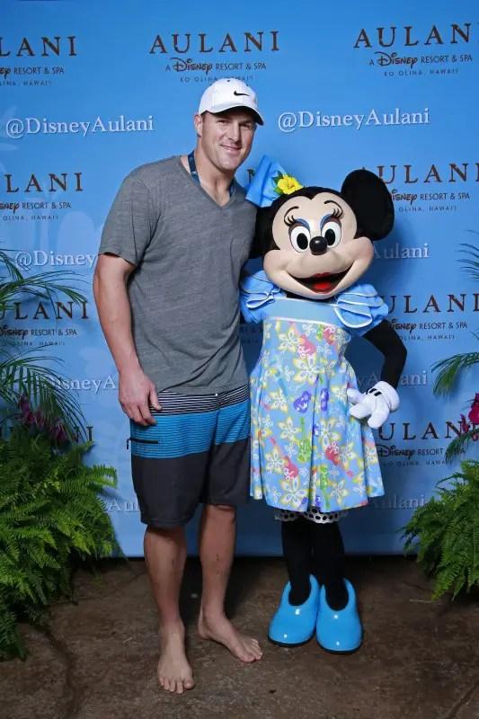 Disney's Aulani Resort Welcomes 2014 Pro Bowl Players at NFLPA Reception