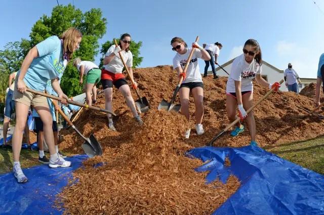 Disney VoluntEARS Help Build a Playground in Oakland Fl.
