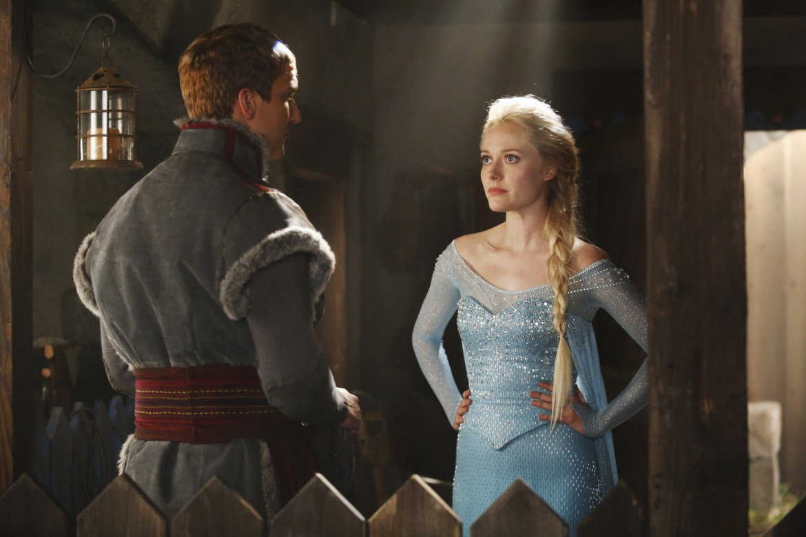 """First Official Look at Elsa on """"Once Upon a Time"""""""