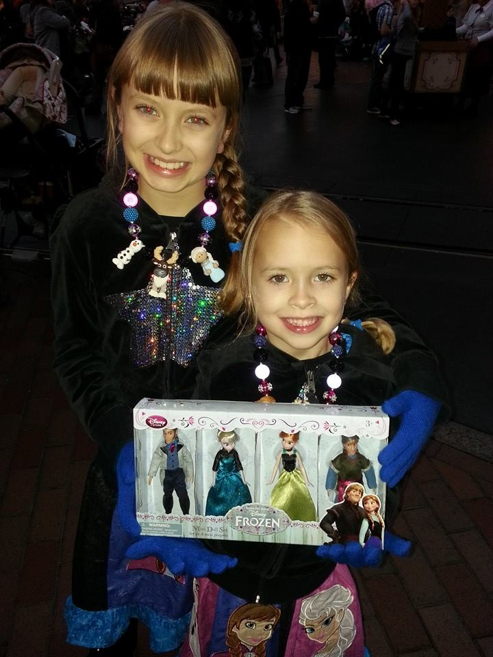 Disney's FROZEN set to rule holiday gift giving in 2014