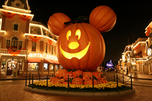 Special Treat for AP visitors at Disneyland's Mickey's Halloween Party